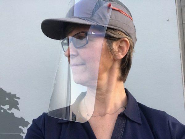 Visière transparente anti postillons à adapter sur casquette