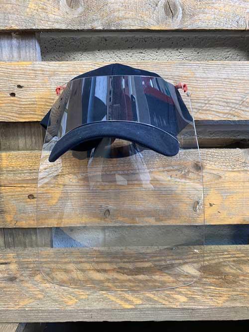 casquette avec visière de protection