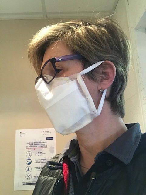 masque 3 couches avec un système de mouchoir d'absorption