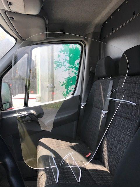 séparation transparente pour véhicule